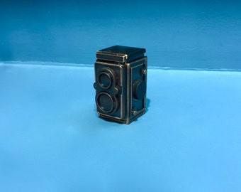 Vintage Rolleiflex camera miniature pencil sharpener,metal die cast camera,bronze miniature,vintage office supply,retro collection