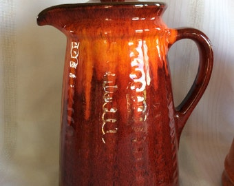Beautiful red flame color ceramic GT Ecanada Genin Trudeau mark coffee pot Red