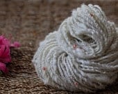 """Hand spun beaded art yarn """"Whipped cream and raspberries"""" sun catching yarn. 50m\72g"""