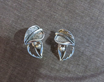 Vintage Sarah Coventry Silver Leaf Clip On Earrings
