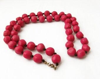 Dark Pink and Black Necklace, Magenta Necklace, Pink Beaded Necklace Chunky Bead Necklace, Purple Pink Costume Necklace Pink Purple Necklace
