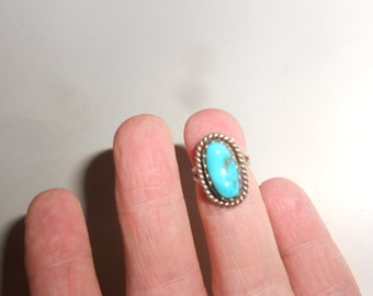 """Bisbee Turquoise Child's Ring Sterling Silver 60s Signed Vintage Zuni Native American Hallmarked """"BL"""""""