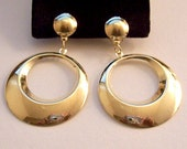 Graduated Hoops Clip On Earrings Gold Tone Vintage White Padded Round Domed Top Button Lightweight Door Knocker Dangles