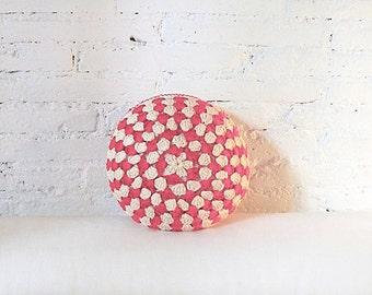 Round Pillow Crochet- ecru and pink