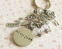 Personalized hairdresser keychain, hairstylist gift, scissor jewelry, hairdryer keychain, initial keychain, Europe