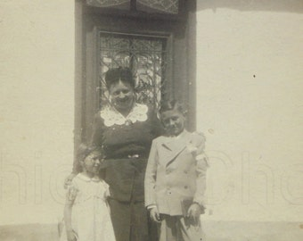 French Vintage Photo - Woman, Boy & Girl Stood Outside a House (Confirmation Photo)