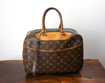 Vintage Louis Vuitton Deauville Travel Duffle Bag, Carryon Weekender Bag, Cosmetic Case Luggage, LV Monogram with Tan Trim , 1990s 070014