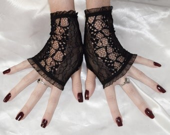 Black Lace Arm Warmers Vampire burlesque bohemian gypsy elegant lolita gothic goth boho vampy victorian edwardian emo nior sleeves wedding