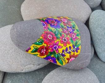 secret garden / painted rocks / painted stones / paperweight / boho decor / boho style / wildflowers / hippie art/ flower child / rock art