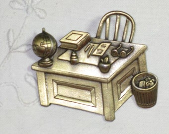 Vintage JJ Collectible Teachers Desk Bronze Tone Brooch Pin (TP-B-1-1)