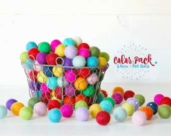 Clearance - On Sale 2.5CM Wool Felt Balls - 25-Pack - 100% Wool Felt Balls - (2.5cm/25mm)- 25 Pack - Felted Balls - 2.5CM Wool Felt Pom Poms