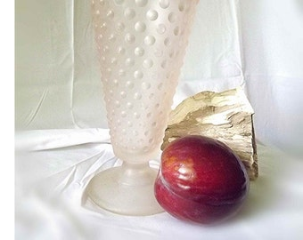 Vintage Vase Pink Hobnail Fenton Glass Blush Pink Vase Frosted Glass Crystal Velvet Glass Satin Glass Wedding Gift Mid Century Flower Vase