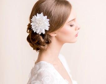 Bridal Hair Flower Dahlia - Bridal Silk Flower Hair Clip - Wedding Hair Flower - Hairpiece Dahlia - Ivory, white