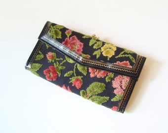 Stunning Chenille CARPET Bag Wallet/ Purse/ Clutch/ Floral TAPESTRY Excellent Mod Boho/ kiss closure/ change purse/ flowers on black