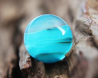 Gemstones - light blue / cyan Onyx Agate cabochon - round