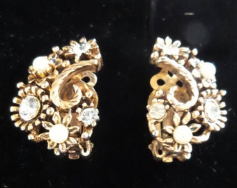 Rhinestone & Pearls Gold Earrings by Lisner©