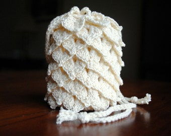 Small crochet dragon scale pouch, white