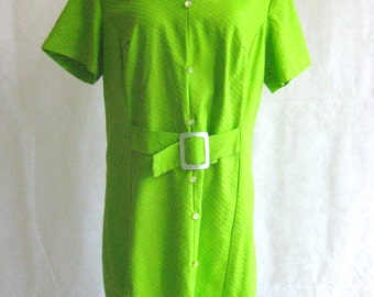 60s Plus Size Shift Dress, Vintage Bright Granny Smith Apple Green with Lucite Mother of Pearl Accents Size Extra Large XL to 1X