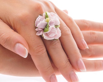 ring with flowers, adjustable flower ring, pink flowers jewelry, unique and delicate ring, gift for her, cute ring