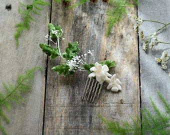 Vintage leaf hair accessory, ivory flower comb, baby's breath headpiece, floral hair comb, rustic wedding, woodland hair accessory