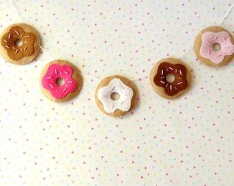 Chocolate Donut Garland, felt doughnut bunting, cute food banner, kawaii wall hanging, donut gift, kitsch nursery decor, pink donuts garland