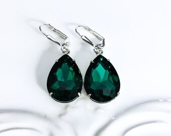 Green Earrings Emerald Green Crystal Earrings Emerald Earrings May Birthstone Winter Wedding Bridesmaids Earrings Prom Christmas Gift Idea