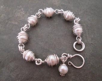 Pearl Wire Wrapped Bracelet - Pearl bracelet, Wire Wrapped Bracelet, Pearl Jewellery, Gift Jewelry, Bridal, Wedding, Handmade
