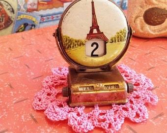 Paris perpetual calendar