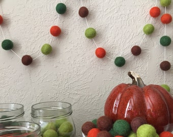 Fall Felt Ball Garland, Autumn Garland, Thanksgiving garland, Pom Pom Garland, Halloween Party, Classroom Party, Fall Leaves Garland