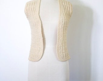 CLEARENCE>>> Hand-knit Vintage 1970s Cream Vest