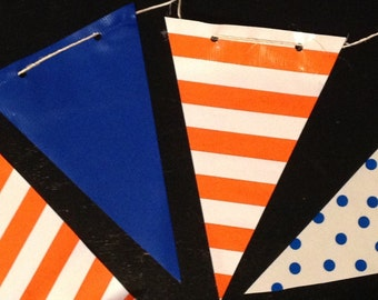 12' Later Gator Oilcloth Pennant Banner