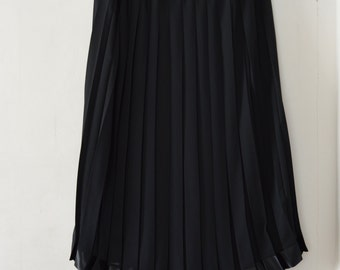 Black  Pleated  Skirt Midi  Accordion Pleated   Elastic Waist Large Extra Large Size