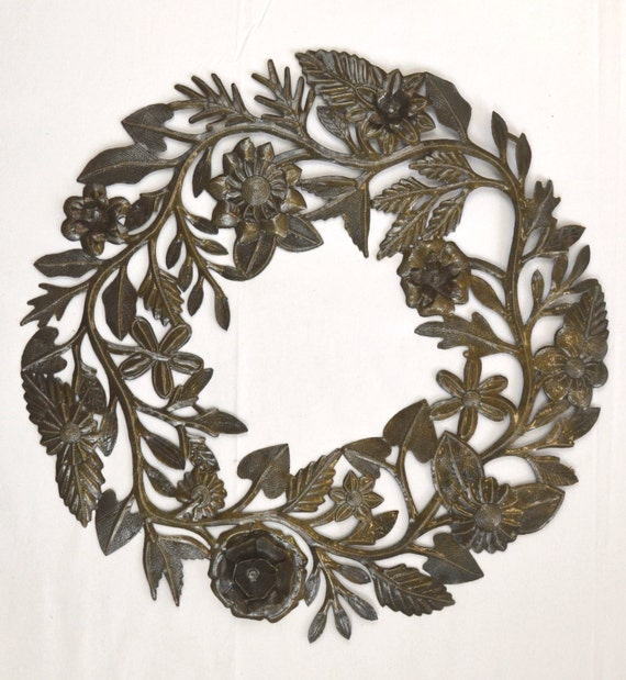 "Floral Wreath made from Lid of Barrel 23"" x 23"
