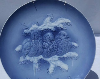 """1972 blue and white annual plate from Hutschenreuther, Germany,  """"Safe Together"""""""