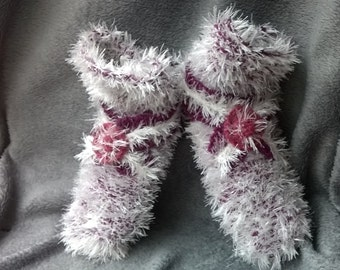 slippers / women slippers / knitted slippers