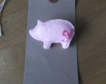 Felt Pink Pig brooch
