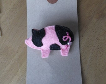Felt pink and black pig brooch