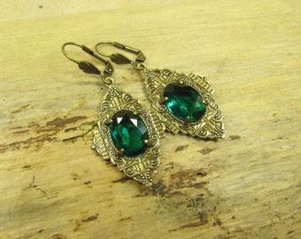 Earrings ART DÉCO TREASURES, Art Déco earrings, earrings brass ornaments glass jewels green emerald green, vintage style handmade