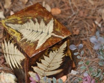 Pyramid Shaped Lidded Fern Box