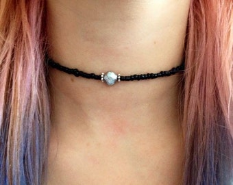 Beaded choker with freshwater pearl