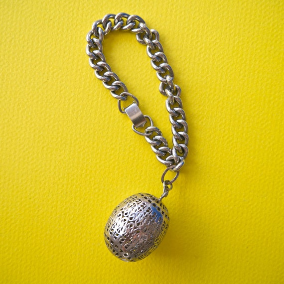 Vintage Unique Silver Toned Chain Bracelet with Filigree Harmony Ball Pendant