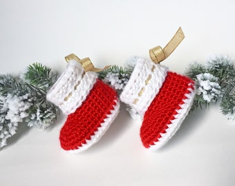 Christmas Crochet Baby Shoes - Christmas Gift for Baby - Crochet Cuffed Baby Booties - Newborn Photo Prop - Christmas Baby Shoes