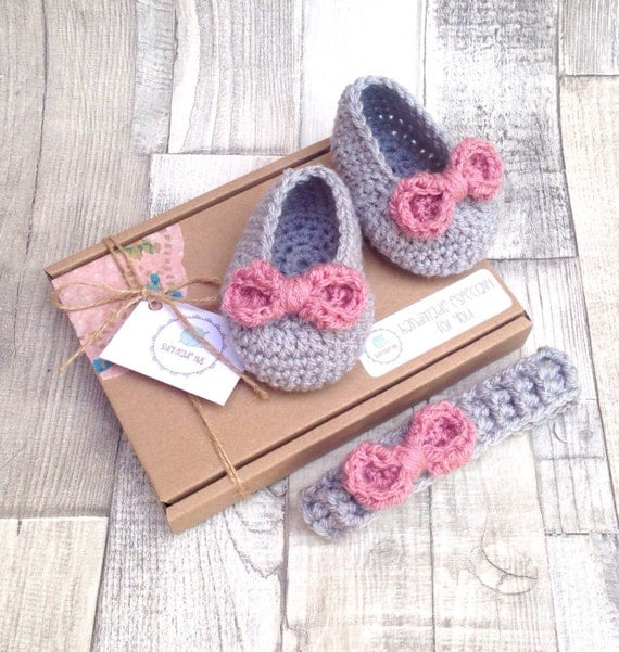 Baby Mary Janes headband set, Girls ballet shoes, Baby pumps,Baby mary Janes, Crochet booties, Crochet rose,Photo prop, grey pink booties