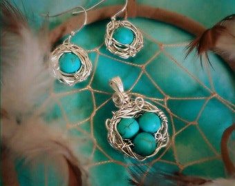 Bird's nest pendant with matching earrings
