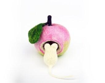 Home decor Apple. Felted mouse and Apple. Pink, green, pastel colors. Filzdeko, felt Apple, felt mouse. Apple needlefelted, felted mouse. Felt fruit.