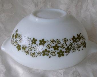 Pyrex 2 1/2 Quart Cinderella Bowl, Crazy Daisy, Spring Blossom