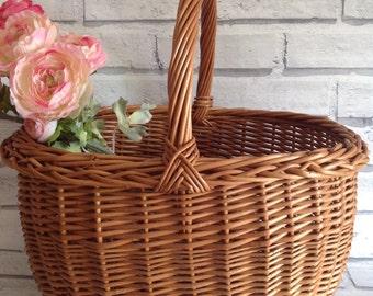 BASKET. Vintage Wicker Basket Shopping Basket Kitchen Decor Cottage Decor Kindling Basket Magazine Storage Shabby Chic