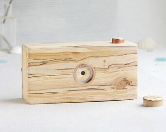 Driftwood pinhole camera, medium format, 120 film, format 6x9
