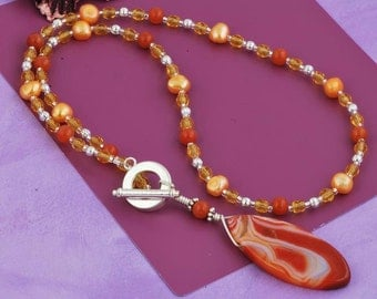 Hand crafted Carnelian Gemstones & Freshwater Pearls Lariat Necklace