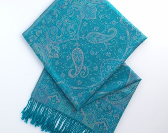 Emerald paisley pashmina scarf
